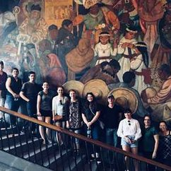 Michele Greet takes class to Mexico City to study murals