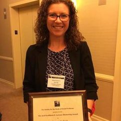 WGST Affiliate Faculty, Shannon Davis Receives Mentoring Award from SSSP