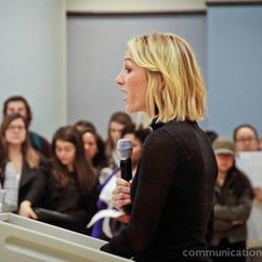 Former ESPN anchor instructs, learns at Communication Forum