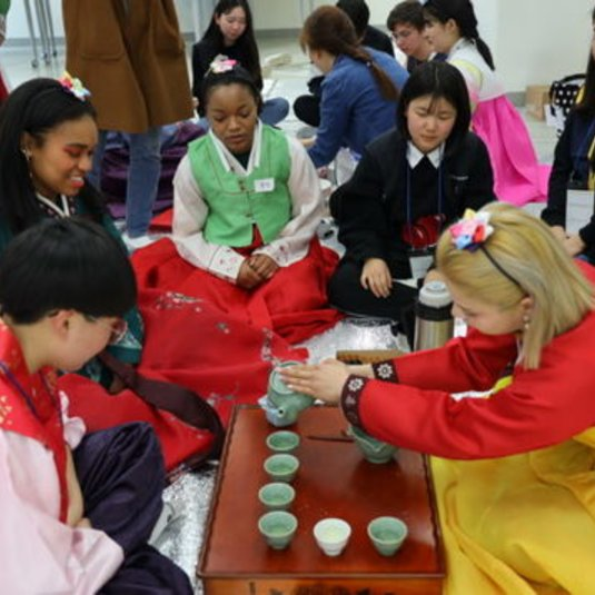 Mason Korea holds Korean traditional cultural experience event