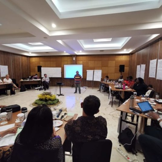 Dr. Al Fuertes facilitates an International Leadership Workshop on Gender Justice