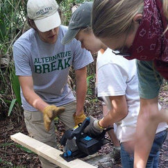 Alumnus Charles Coats Challenges Students to Explore, Protect the Environment